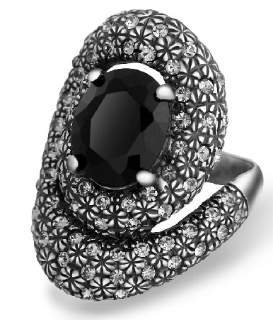 silver-ring-with-black-stone