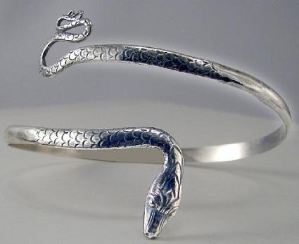 silver-snake-armbands12