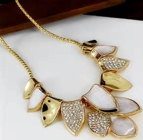silver-and-gold-plated-dancing-leaves-statement-necklace13