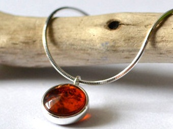 simple-handmade-necklace-with-ruby7