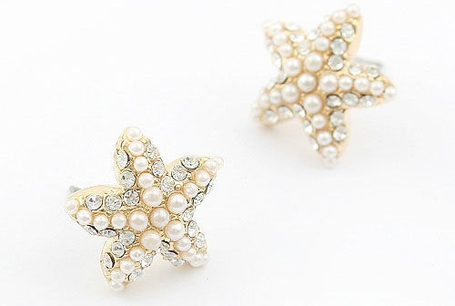 starfish-shaped-pearl-earrings
