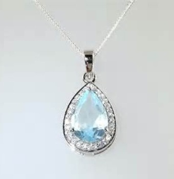 tear-drop-diamond-pendan