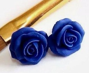 the-rose-blue-studs7