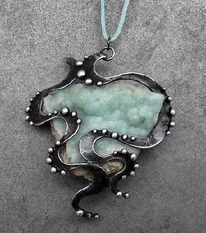 top-9-pendants-necklaces-germia-pendant