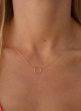 top-9-pendants-necklaces-simple-circle-pendant