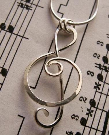top-9-pendants-necklaces-treble-clef-pendant