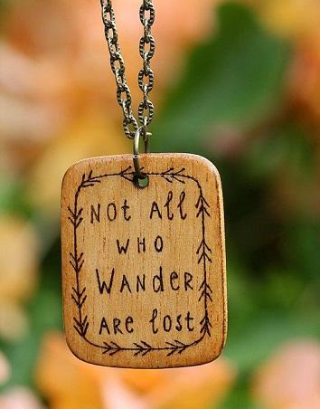 top-9-pendants-necklaces-wood-jewel