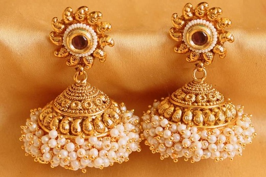 traditional-jhumka-pearl-earrings