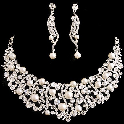 trendy-silver-jewelry-set-9