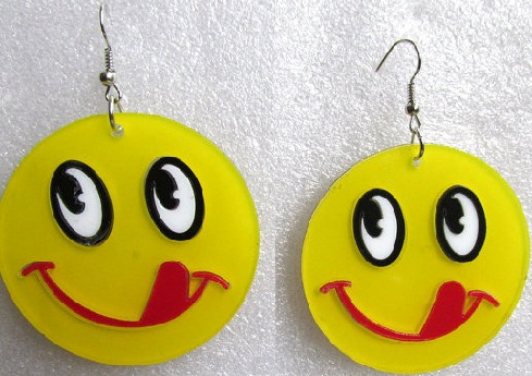 unique-emoji-earrings8