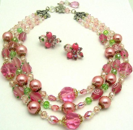 vintage-threes-strand-crystal-beaded-necklace11