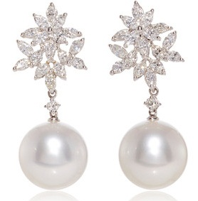 white-gold-earrings1