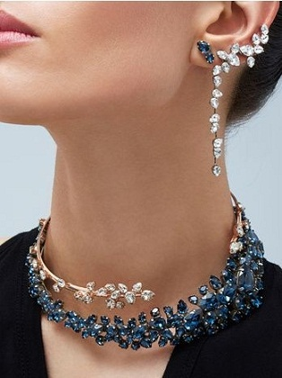 wrap-around-neckpiece-and-earrings3