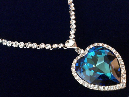 blue-diamond-heart-shaped-necklace