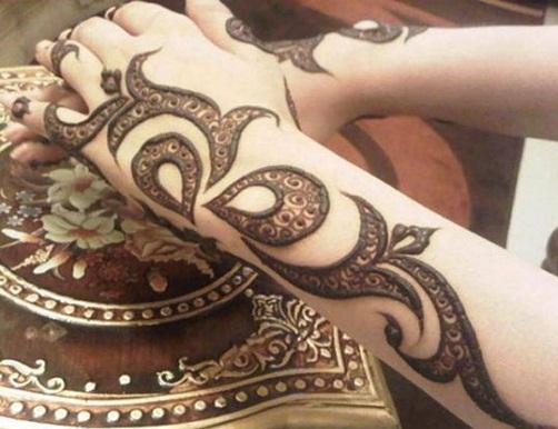 back-hand-shaded-mehndi-design10
