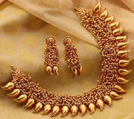 bajirao-mastani-gold-necklaces17