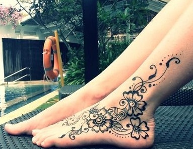 black-mehndi-design-for-feet-11