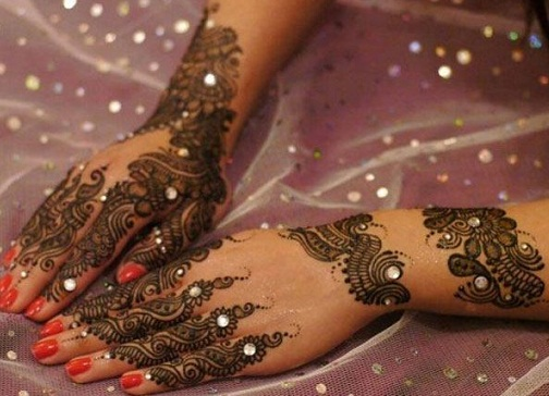 Bridal Diamond Mehndi Pakistani Design