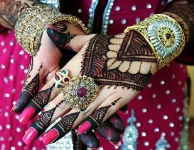 colorful-hand-mehendi-design-by-asha-savla13