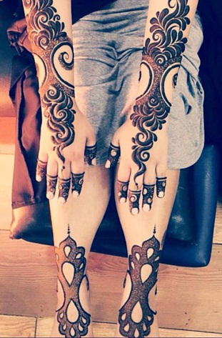 Dark Mehndi Design for Girls
