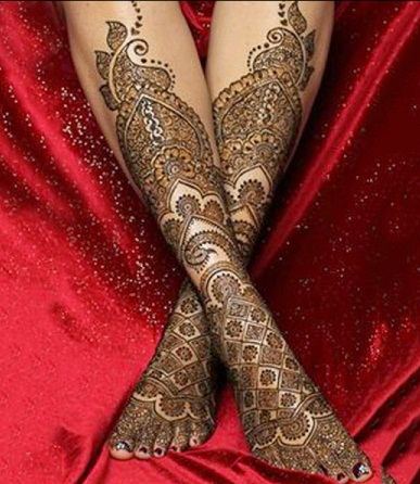 elaborater-floral-foot-mehndi-design-12