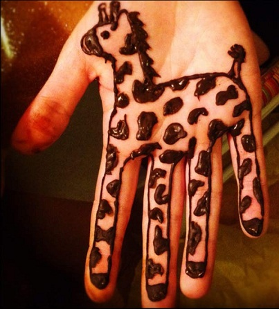 Giraffe kids Mehndi Design