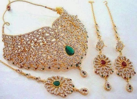 b62ec4413 9 Indian Wedding Bridal Jewelry Sets | Styles At Life