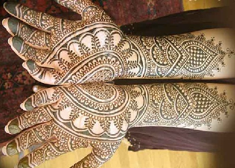 heart-shaped-indian-mehndi-design34