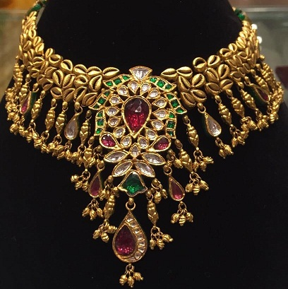 kundan-gold-choker-necklaces4