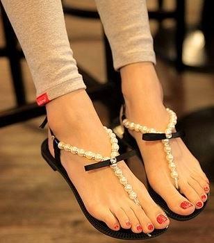 Flat Leather Flip Flop Sandals