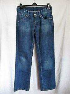 levis-women-604-straight-jeans