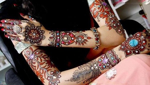 mirror-work-mehndi-design20