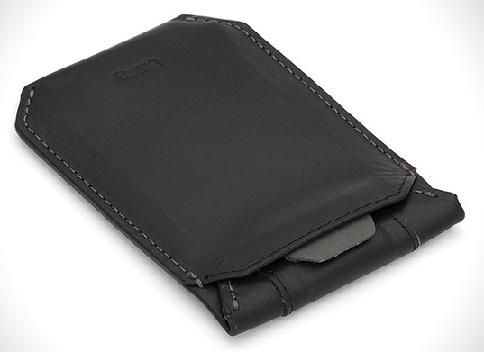 plain-black-wallet