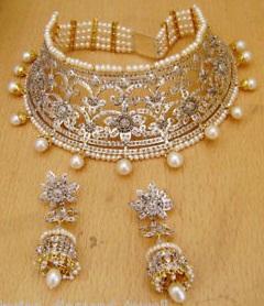 queen-pearl-gold-jewellery10