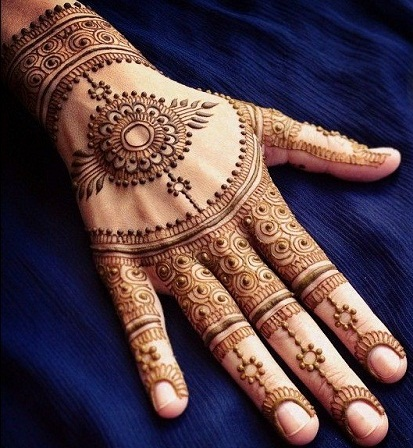 traditional-back-hand-mehndi-design-11