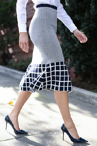 trumpet-style-flared-skirt