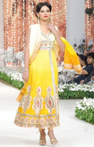 Heavy Yellow Salwar Kameez Design