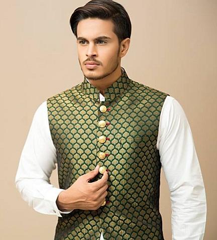 Jamawar waistcoat with Salwar Kameez6