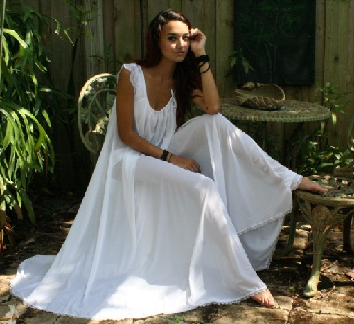 12 Attractive Nighties For First Night Of Wedding