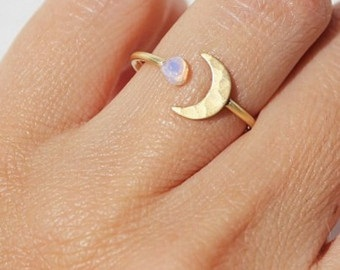 Unique Moon opal Ring