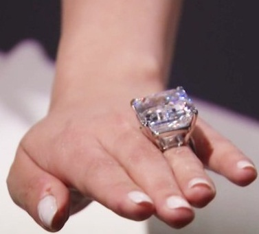 100 Carat Huge Diamond Ring