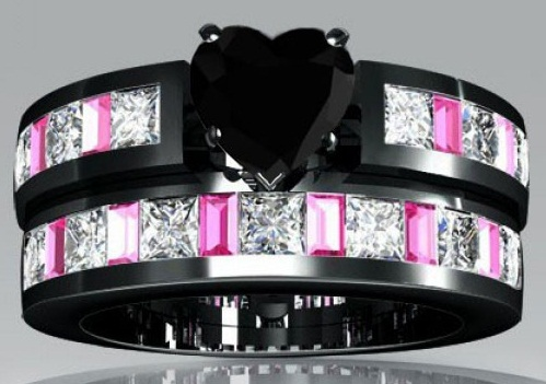 Black Diamond in Black Gold Wedding Ring Set