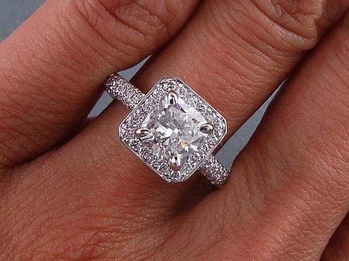 Cushion shaped 2- Carat Diamond Ring
