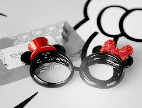 Cute Mickey and Minnie couple rings