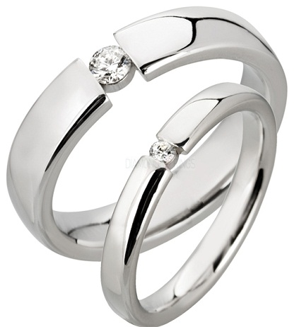 Designed Platinum Ring -Single Center Diamond Stone