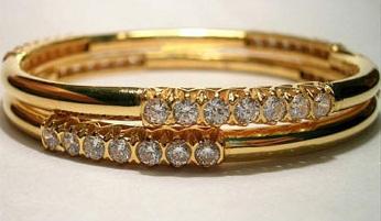 Diamond Studded Thin Gold Bangle