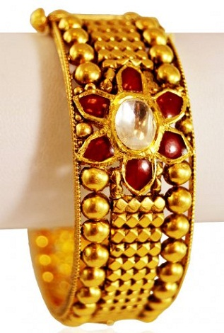 Gold Antique Bangle with Stone