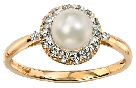 Gold Diamond Ring with Pearls for Women