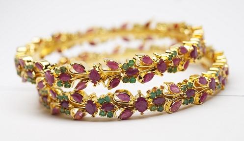 Handmade Emerald and Ruby Studded Bangle Design