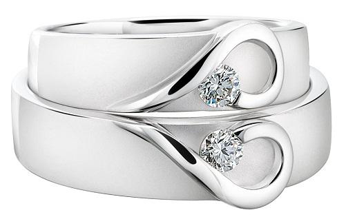 Heart Designed Couple Ring